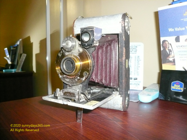 ビンテージものとして売られていた19世紀のコンウェイ製蛇腹式カメラ