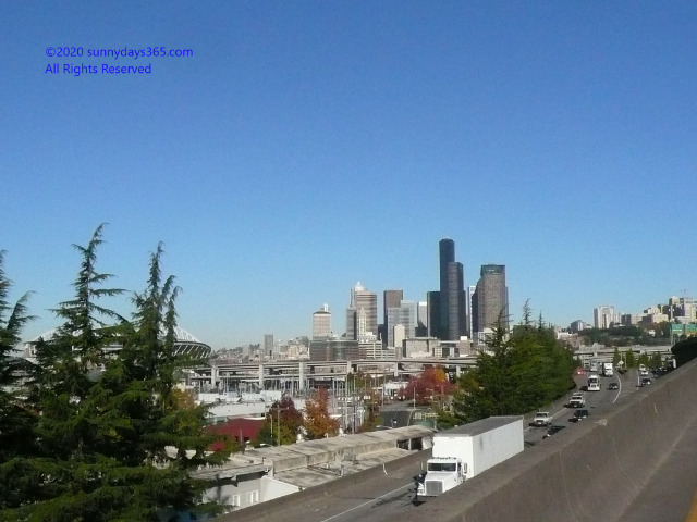シアトル中心部をハイウェイからスナップ