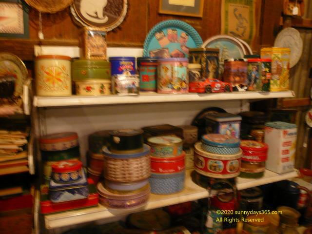 アンティークショップ店内にあった19世紀の空き缶