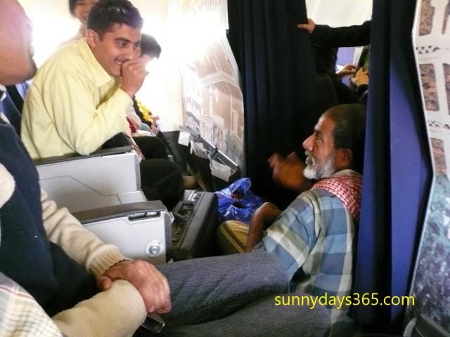 違法に飛行機へ乗り込んできた珍客