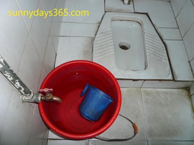 サナア国際空港内のトイレ