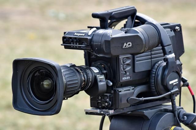 プロフェッショナル用テレビカメラ