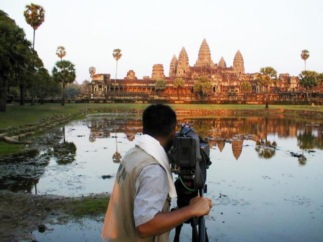 筆者のカンボジアでの撮影風景