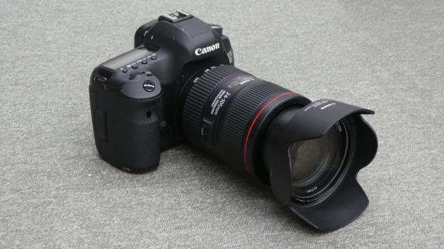 デジタル一眼の代表格 Canon-EOS5D