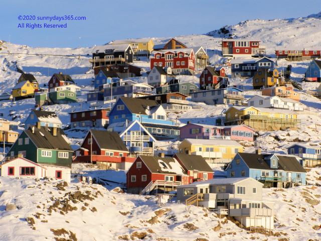 グリーンランドフィヨルドの大地の住宅群