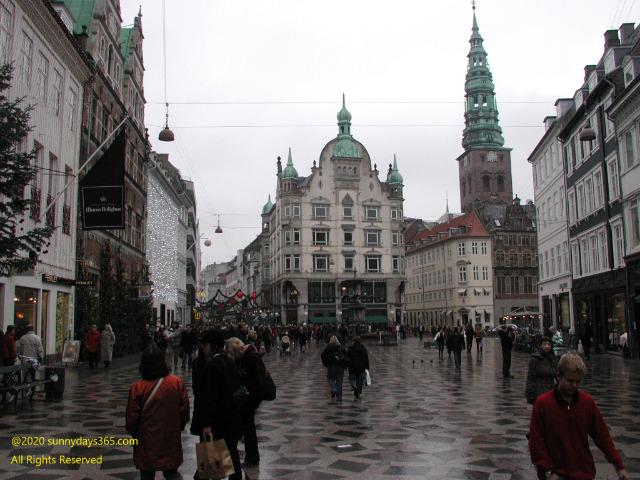 コペンハーゲン中心街の通り